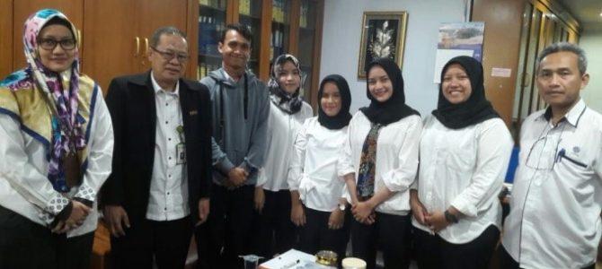 Penyerahan Mahasiswa Manajemen Pendidikan Dalam  Program Praktek Kerja Lapangan (PKL) tahun 2018