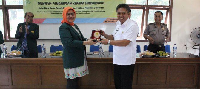 Program Pengabdian Pada Masyarakat (P2M)  Fakultas Ilmu Pendidikan Universitas Negeri Jakarta  di Kecamatan Sukamakmur Kabupaten Bogor